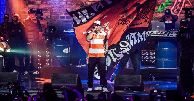 Racionais faz show histórico no VMB 2012