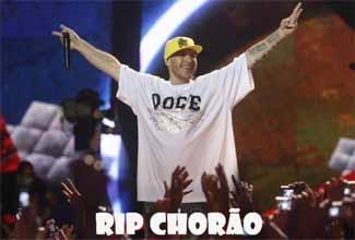 Rappers se despedem de Chorão