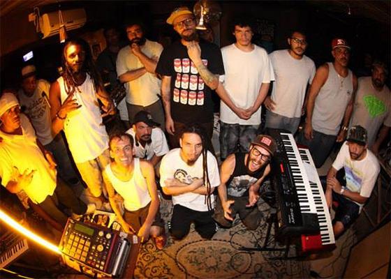 Projetonave e convidados em show da mixtape