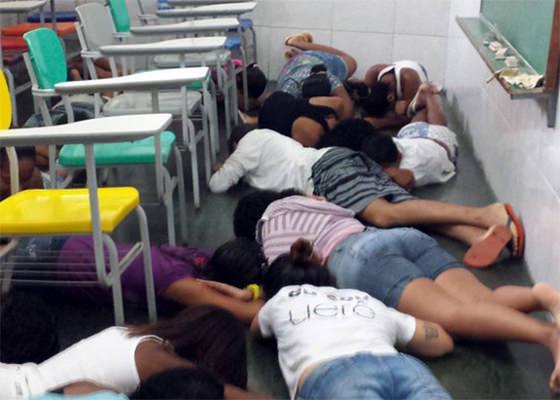 Escola na favela da Maré