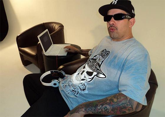 DJ Bola8