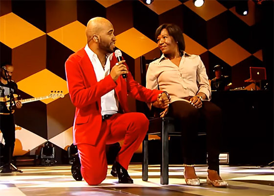 Renegado canta Benção no DVD #Suaveaovivo