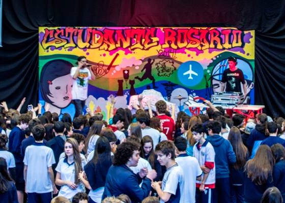 Cabes faz show em Colégio em Curitiba