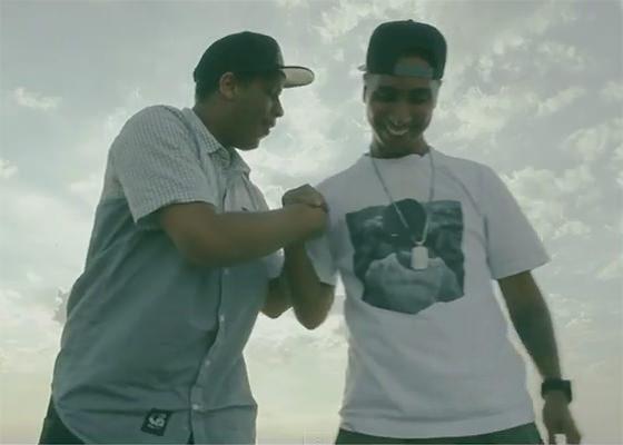 Kamau e Rashid no clipe Ainda Tem