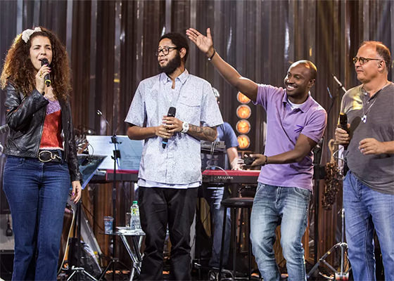 Emicida, Vanessa da Mata, Guilherme Arantes e Thiaguinho no Música Boa Ao Vivo