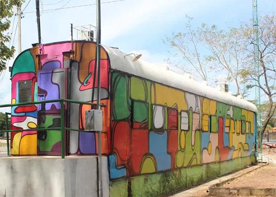 Vagão revitalizado por graffiti no Piauí