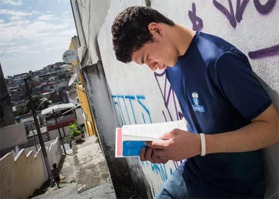 Jovem do Capão Redondo é aprovado em faculdade dos EUA
