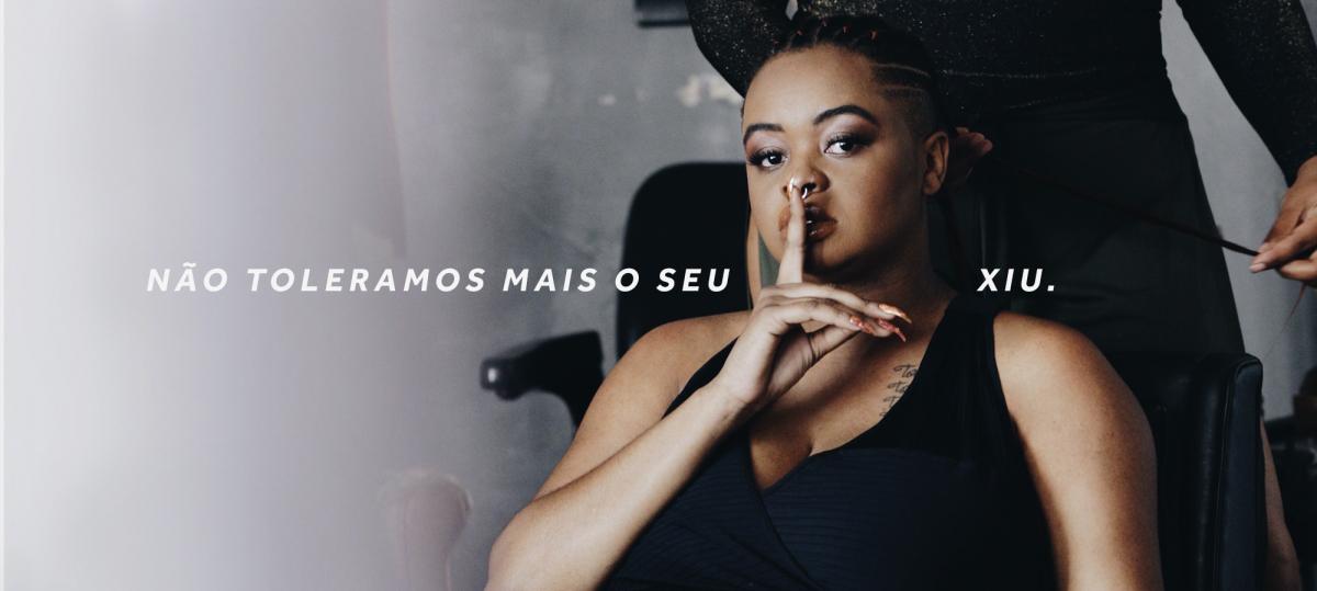 """Tássia Reis fala tudo em novo clipe e coleção de roupas, """"Xiu!"""""""